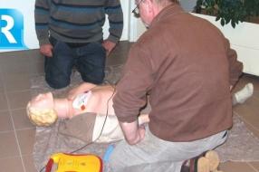 Nieuws: AED's dag en nacht bereikbaar in het centrum van Velp