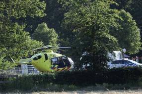 Nieuws: Amazone valt van paard, zwaargewond naar ziekenhuis gebracht