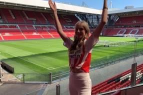 Nieuws: Anna (17) is 'de stem' van PSV: 'Niet zeggen hoor! Daar word