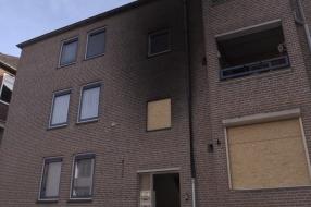 Nieuws: Buurtbewoners geschrokken van autobranden in Grave: 'Het was