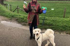 Nieuws: Claudia start actie tegen hondenpoep: 'Ik wil geen last hebb