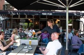 Coronanieuws: 'Meeste besmettingen ontstaan op feestjes, verjaardagen en barbecues'