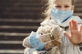 Coronanieuws: Mondkapjesplicht in drukke gebieden Amsterdam en Rotterdam, daling patiënten op i