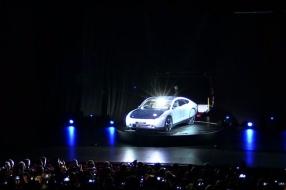 Nieuws: Dit is 'm dan: de eerste gezinsauto op zonne-energie [VIDEO]