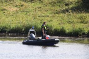 Nieuws: Dode man in de Maas bij Oeffelt is vermiste zwemmer uit Duit