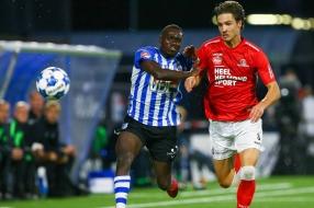 Nieuws: FC Eindhoven en Helmond Sport delen punten in doelpuntloze d