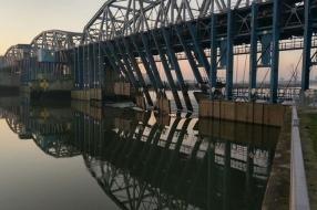 Nieuws: Gelderse burgers willen waterkrachtcentrale bij stuw in Grav