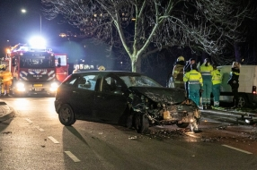 Nieuws: Gewonde na botsing in Velp, mogelijk drank in het spel