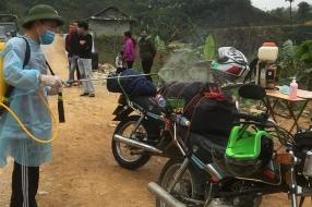 Nieuws: John en Marijke worden in Vietnam gewoon langs de weg getemp