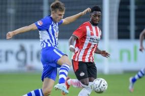 Nieuws: Jong PSV verliest Eindhovense derby, Helmond verliest in laa