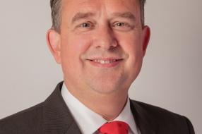 Nieuws: Kamerlid Van Veen bezoekt De Bakelgeert