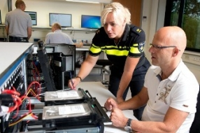 Nieuws: Katwijk - Aanhoudingen voor opruiing Project X