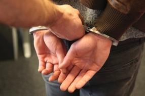 Nieuws: Man (20) uit Cuijk bedreigt jongen (12) met mes en spuit pep