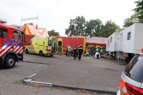 Nieuws: Man komt onder vrachtwagen terecht bij Circus Barani in Boxm