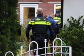 Man met verwondingen in tuin, groot politieonderzoek
