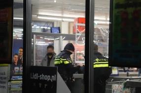 Man raakt gewond bij overval op Lidl in Cuijk, dader opgepakt