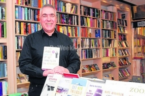 Nieuws: 'Mens blijft grijpen naar boek'