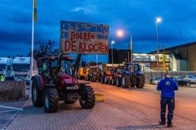 Nieuws: Minister Schouten komt boeren tegemoet: toch overleg over ve