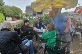 'Na 62 jaar is het is klaar en goed zo': emotioneel afscheid van Snackbar Koolen in Velp