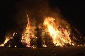 Nieuws: Paasvuur in Westerbeek afgelast vanwege droogte: 'Niet veran