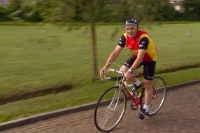 Nieuws: Piet van Katwijk heeft fiets die 41 jaar geleden speciaal vo