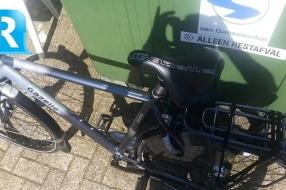 Nieuws: Politie zoekt fietsendief in bloemetjesshirt