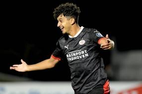 Nieuws: Saibari bezorgt Jong PSV winst in Alkmaar, fletse derby in E