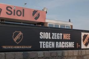 Nieuws: Scheidsrechter geschorst na uitspraak over 'tien kleine nege