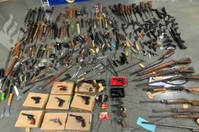 Nieuws: Zelfs handgranaten tussen 540 wapens na inleveractie #Dropje