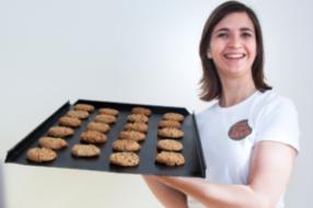 Nieuws: Bakkersdochter daagt Nederland uit met koekjeswedstrijd